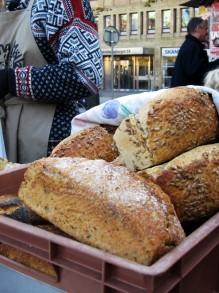 Hembakat bröd på Bondens Marknad