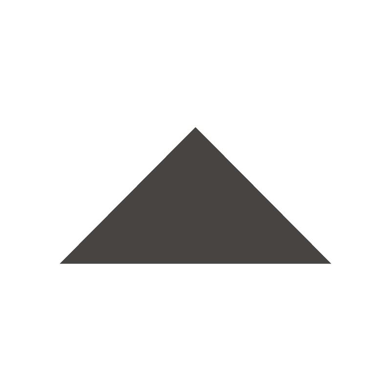 Triangle 104 mm - Black från Byggfabriken