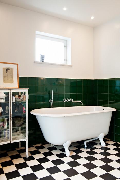 Funkisbadrum med badkar