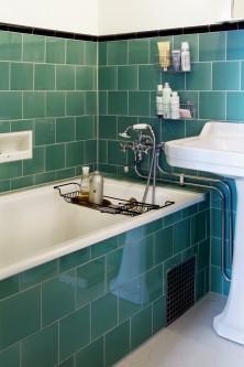 Tjugotalsstil med inbyggt badkar