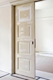 Måla spegeldörrar