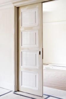Måla gammaldags spegeldörrar