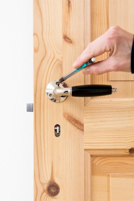 Montera dörrhandtag på innerdörrar