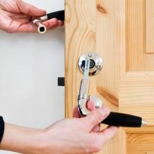 Montera dörrhandtag - så gör du.